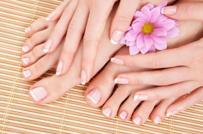 12 Tips Cara Merawat Kecantikan Kuku Kaki Dan Tangan Secara Alami