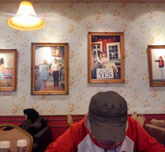 Review : Giggle Box Cafe And Resto di Bandung