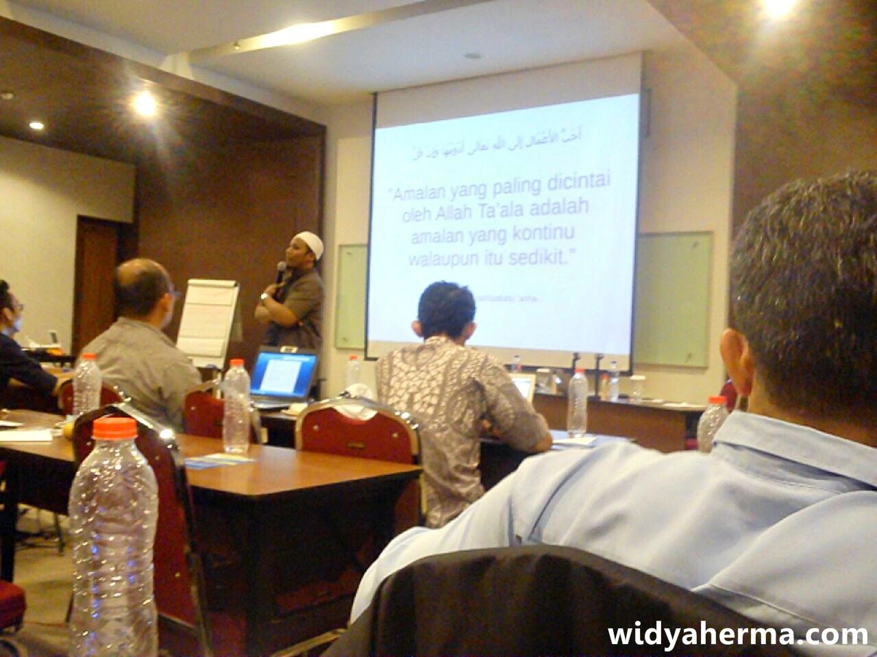 Pengalaman Mengikuti Workshop Online Copywriting Bersama Fikry Fatullah
