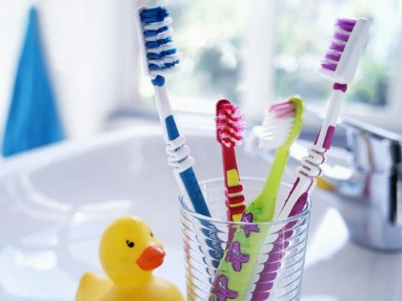 4 Tips Mudah Memiliki Sikat Gigi Yang Baik dan Benar