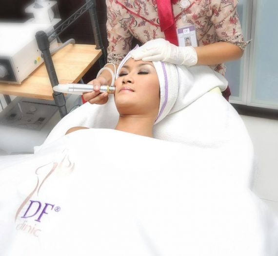 Perawatan Kulit Kering Dengan Microdermabrasi dan Iontophoresis di DF Clinic Bandung