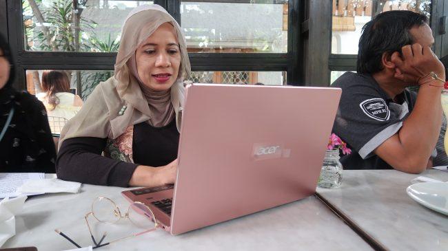harga laptop acer terbaru dan gambarnya
