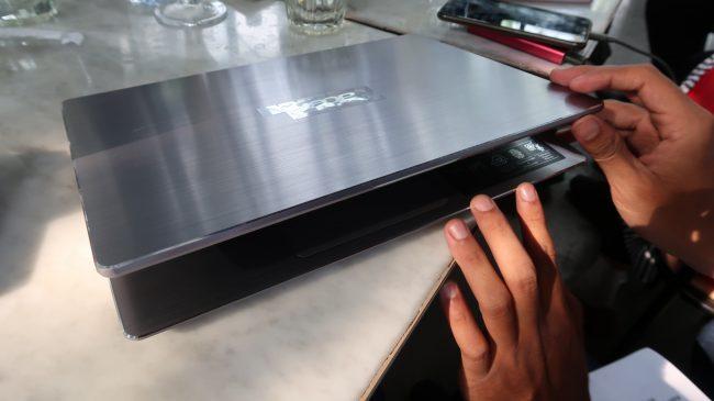 laptop acer tipis 6 juta