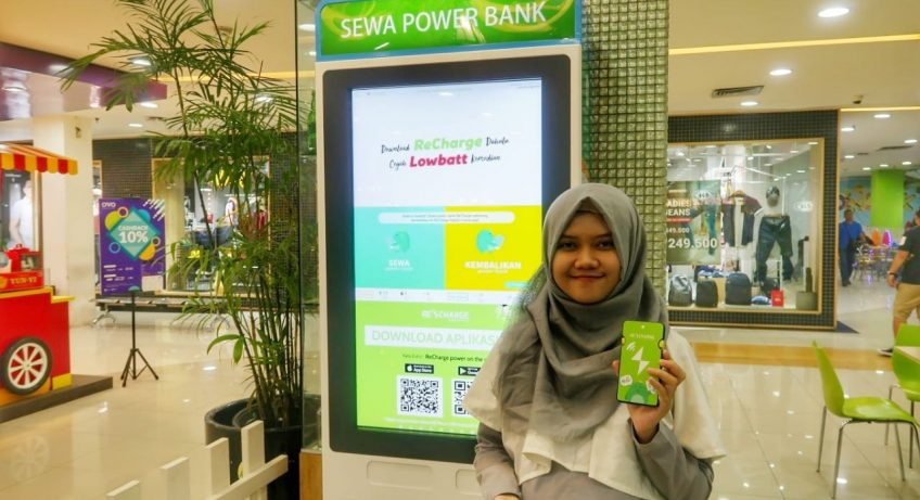 sewa power bank di stasiun