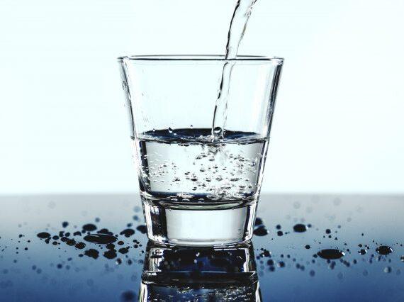 Manfaat Minum Air Alkali, Solusi Untuk Dehidrasi