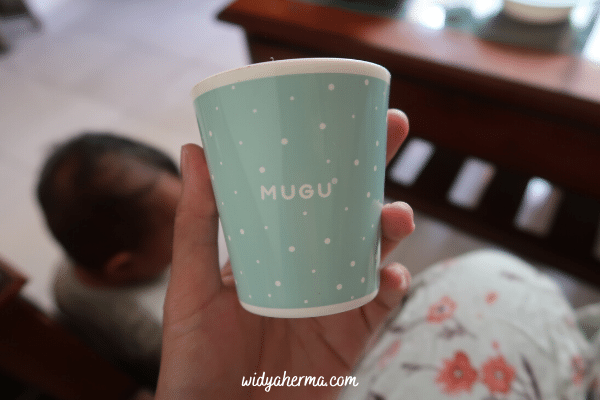 gelas minum bayi