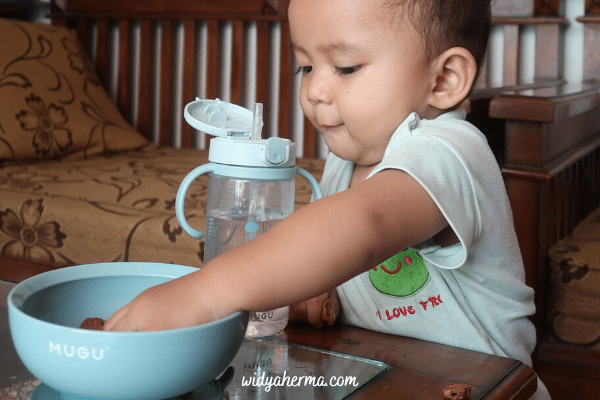 mangkok bayi anti tumpah